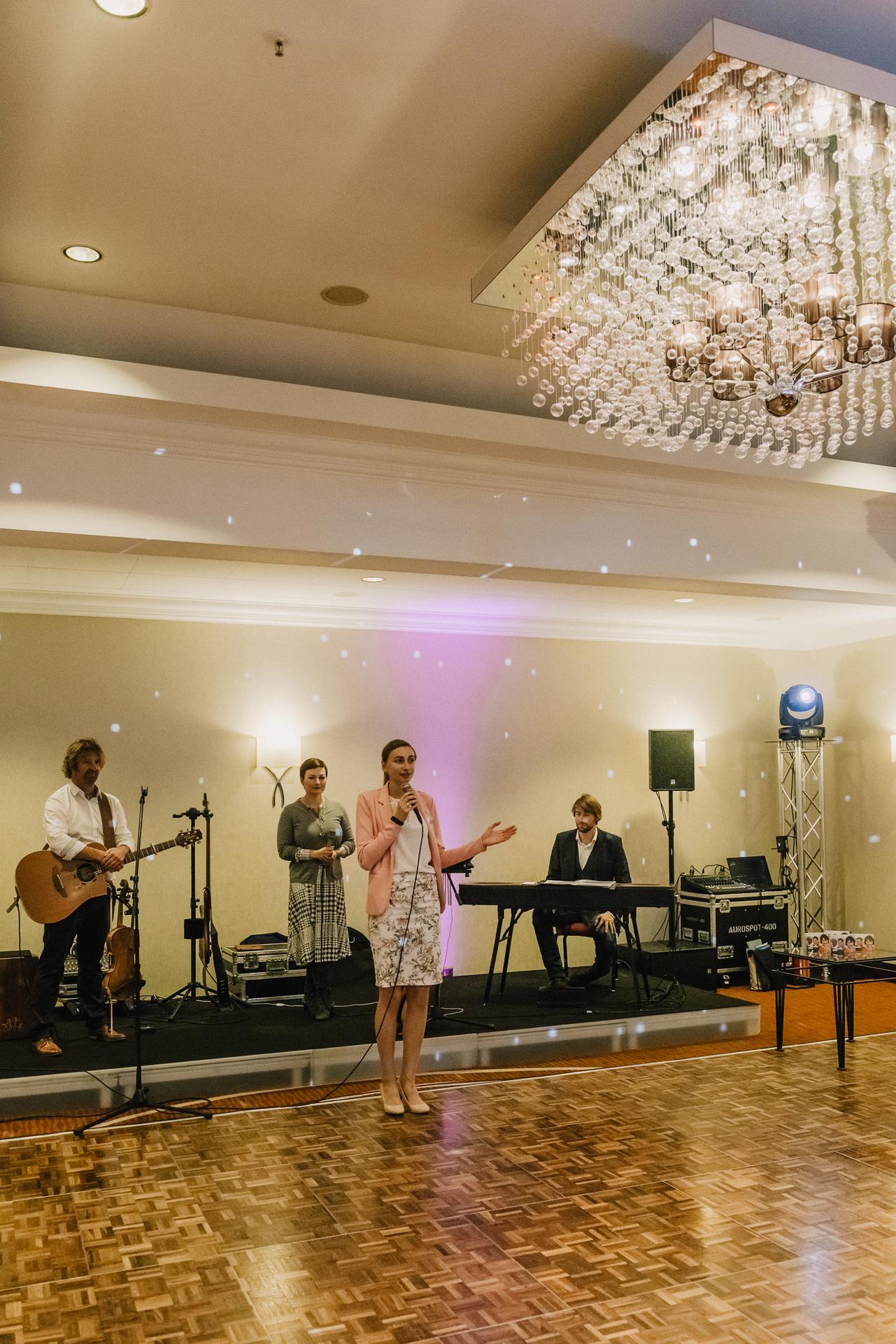 Zweinander-LeonoreHerzog-WeddingMarket-OnTour20191110-9171